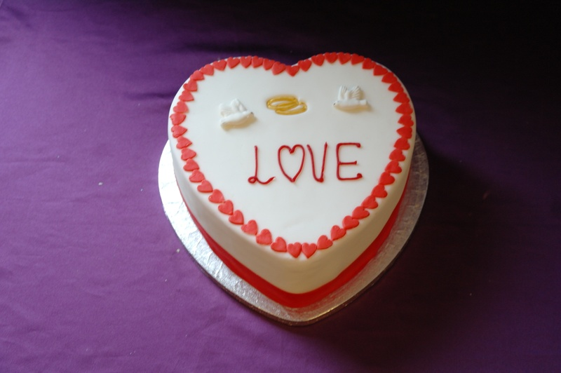 Love Heart Cake Images : Love Heart Cake
