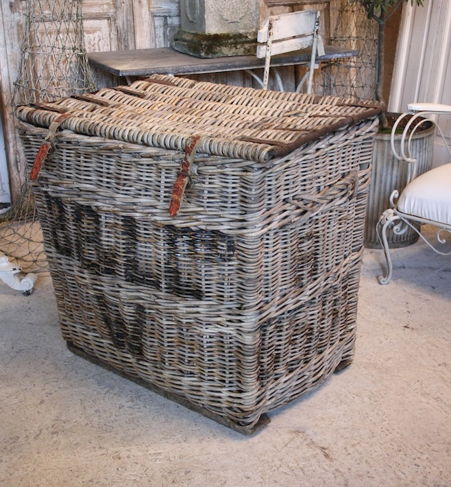 #18/236 Lrg Wicker Basket