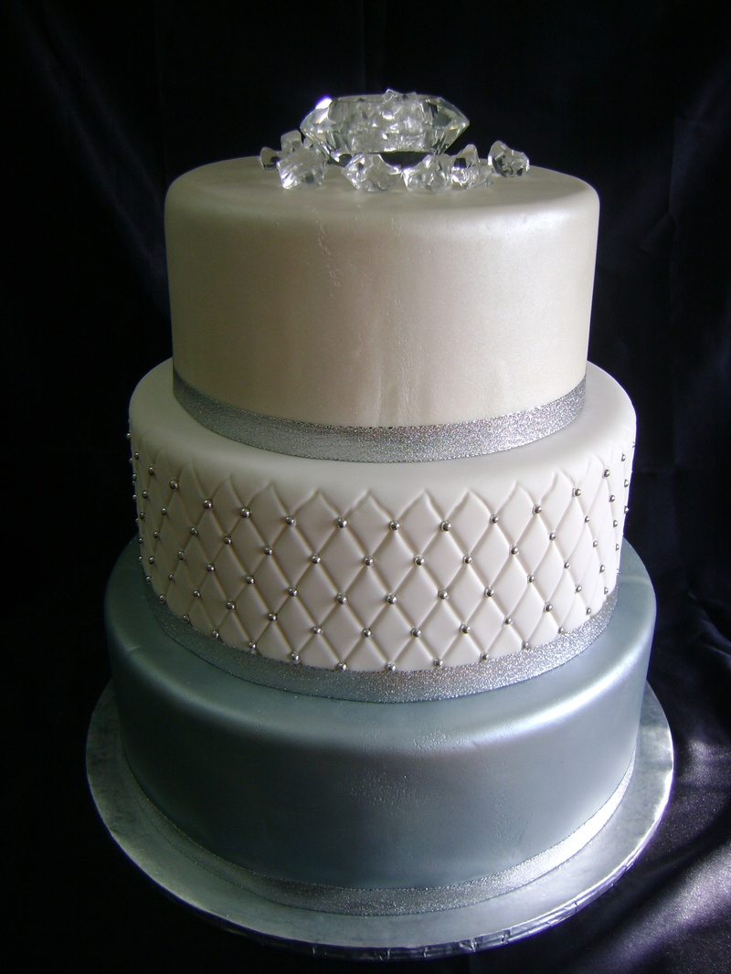 Bling Wedding Cake Stand With Pearls