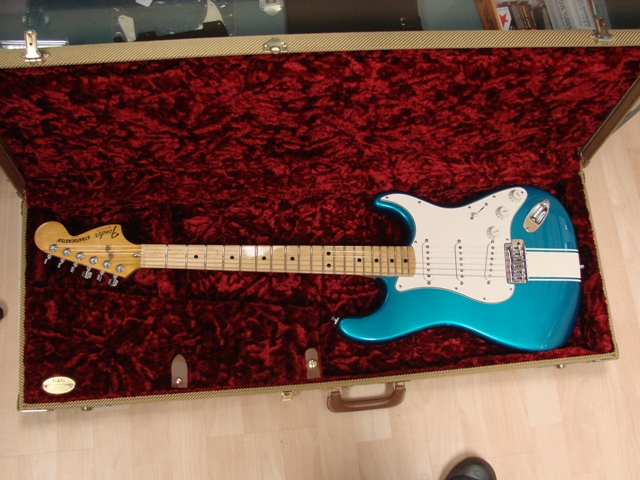 /gallery/project/1963_HiFi_Turquoise/Guitar/img03.jpg!