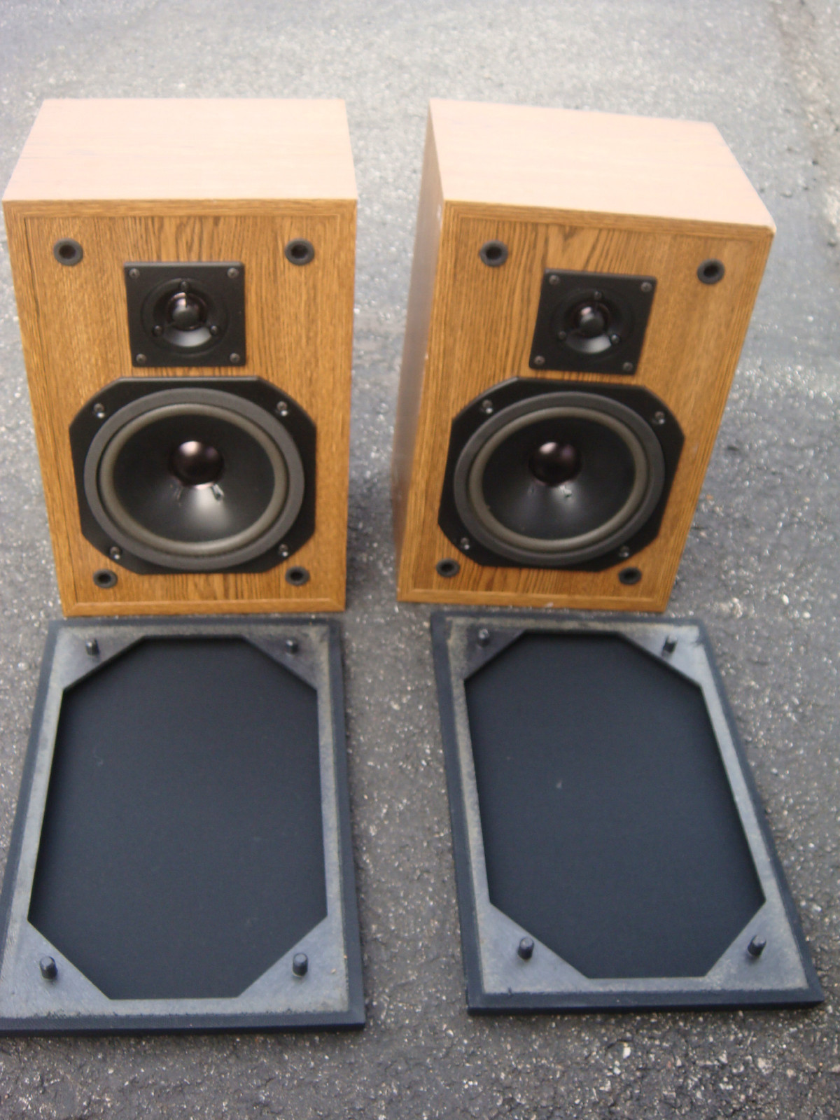 Curtis Mathes Shelf Speakers, model spk602