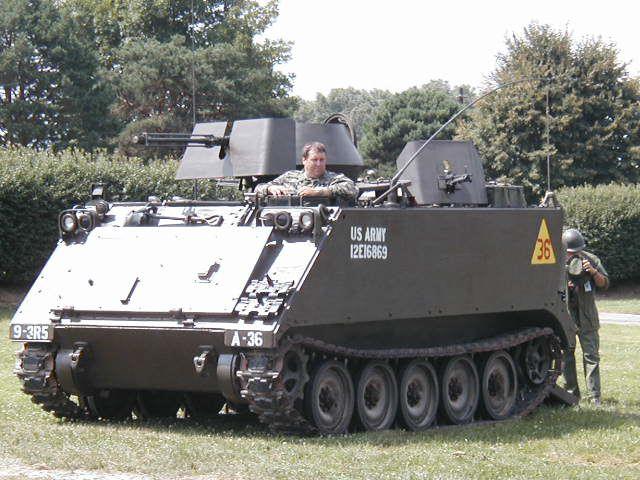El M113 APC Battle%20taxi%20a