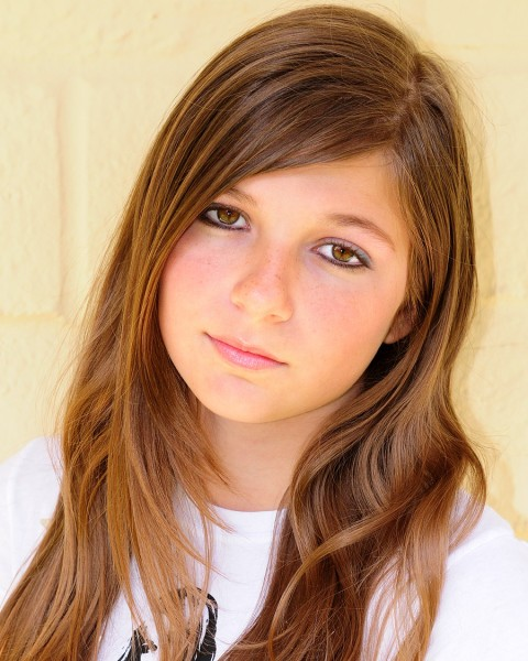 Beautiful Pre-Teen Model. This beautiful young girl, a beginner model, ...