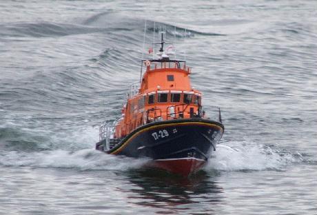 severn at speed - Lifeboat Models