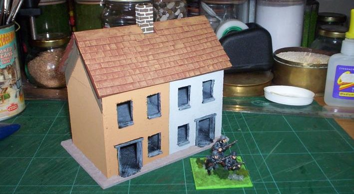 Making small model houses