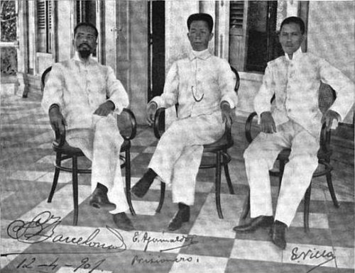 emilio aguinaldo essay Essays philippine insurrection the main goal was to capture emilio aguinaldo, the heart of the filipino people one night at a party.