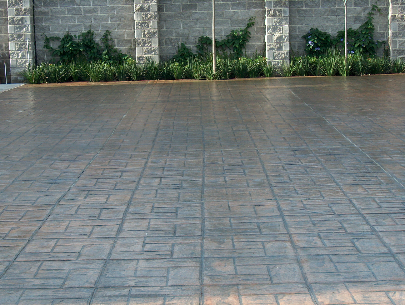 Patios andadores y calles pisos estampados de concreto for Fotos de pisos para patios
