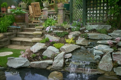Gloucester paving centre for Pond stones landscaping