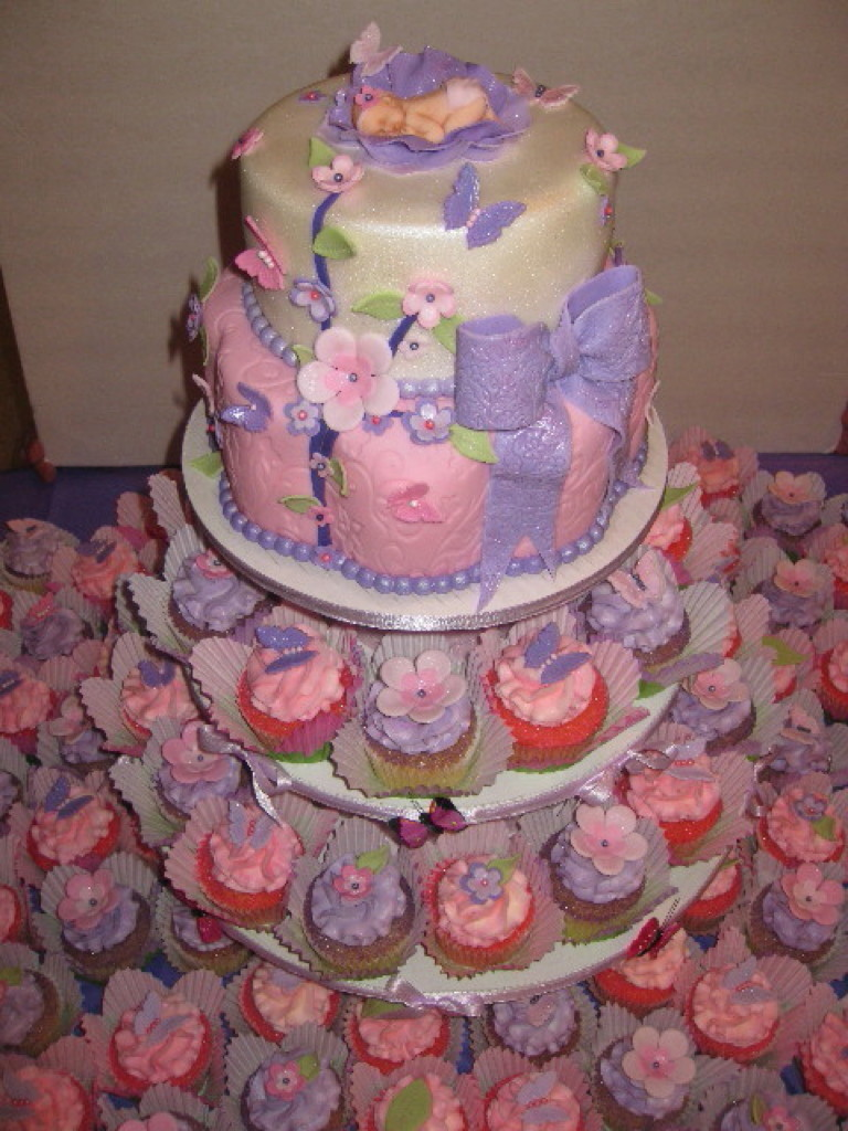 Ideas For Baby Shower Cakes Or Cupcakes : Treva s Baby Shower Cake & Cupcakes