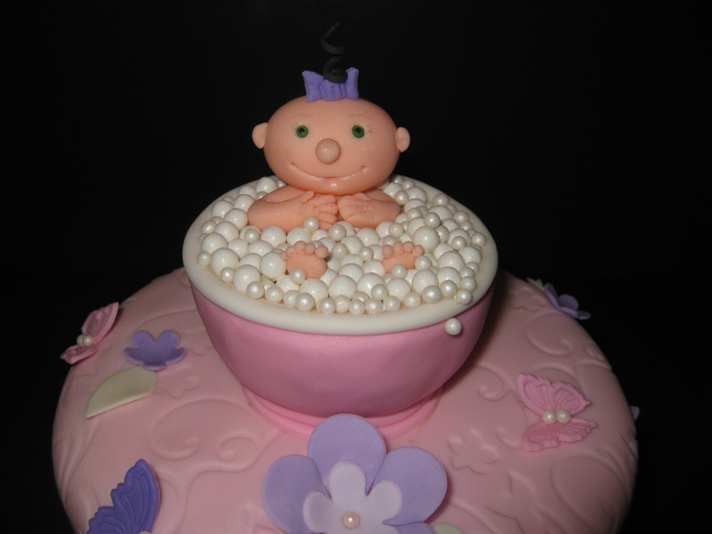cake with hand made fondant decorations serves 6 8 45 see cupcake