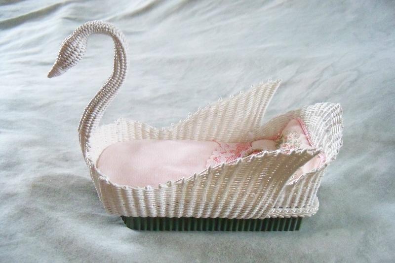 Swan Bed Wilhelmina Miniatures
