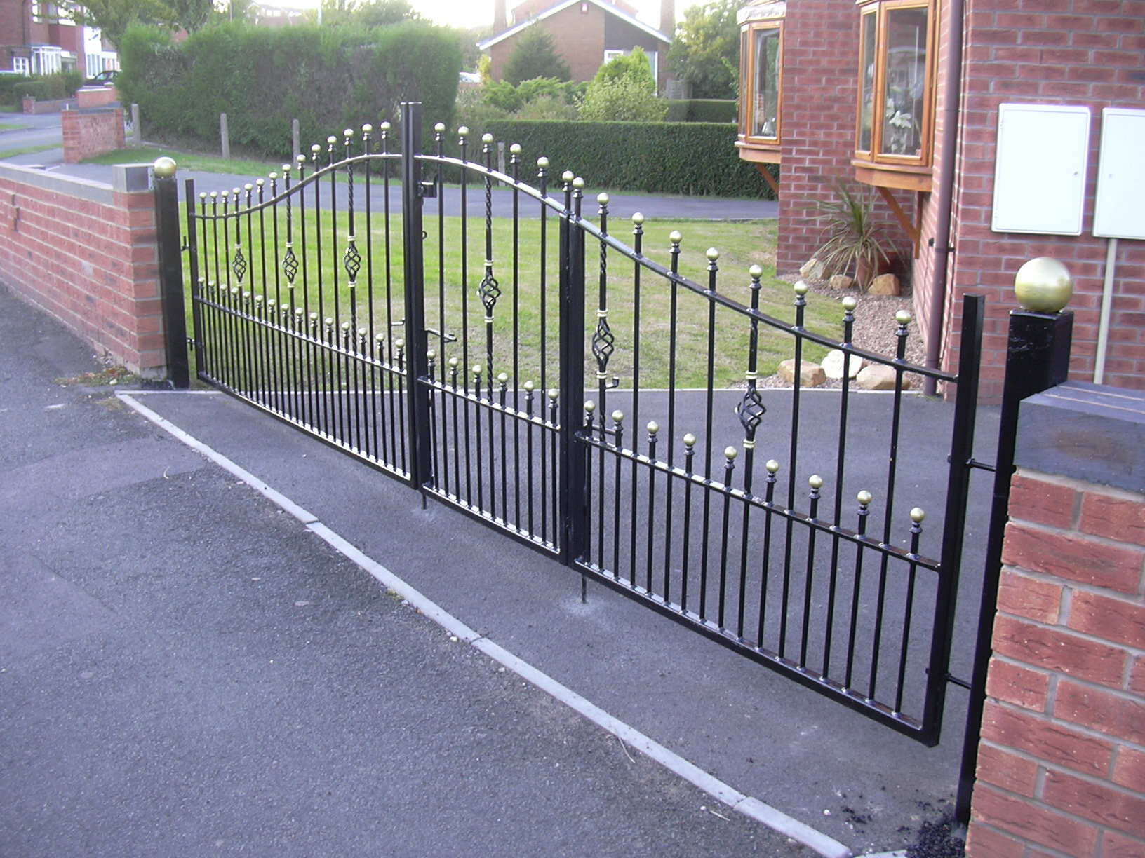 Bi Fold Gates Willenhall Gates
